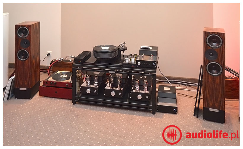 Kolumny Living Voice, elektronika Audion, gramofon Nottingham Analogue